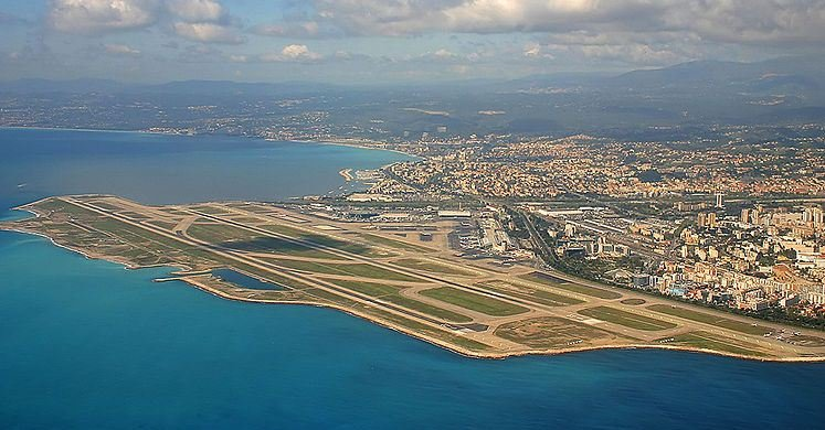 Direct flights to Nice Côte d'Azur, direct flight, airlines, French Riviera, holiday destination, south of france, budget, tickets, buy, book direct, names of airlines, Nice, airport