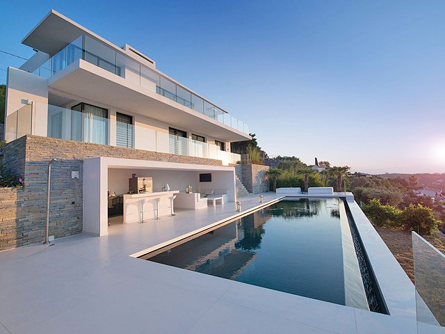 New modern villa on the French Riviera, for sale, buying, offer, real estate, cote dazur, realtor, Houses and apartments for sale, realty, contemporary style, heated pool, quiet domain, luxe