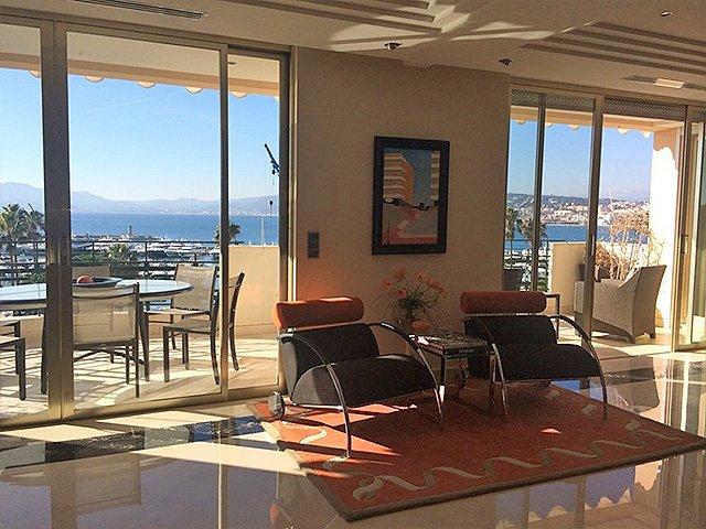 Art-deco-style-penthouse-Cannes-Croisette-living