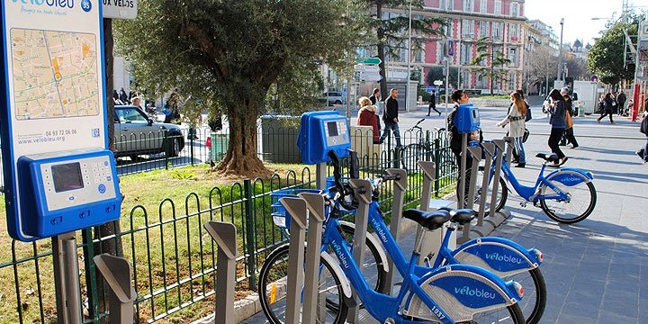 velo-blue-street-nice