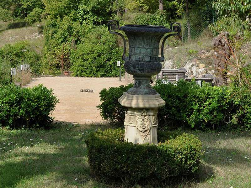 Provencal stone Mas 17th century with additional building plots Saint Paul and Foret