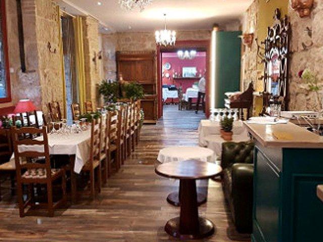 https://www.tripadvisor.com/Restaurant_Review-g187234-d11825126-Reviews-Farinelli-Nice_French_Riviera_Cote_d_Azur_Provence_Alpes_Cote_d_Azur.html
