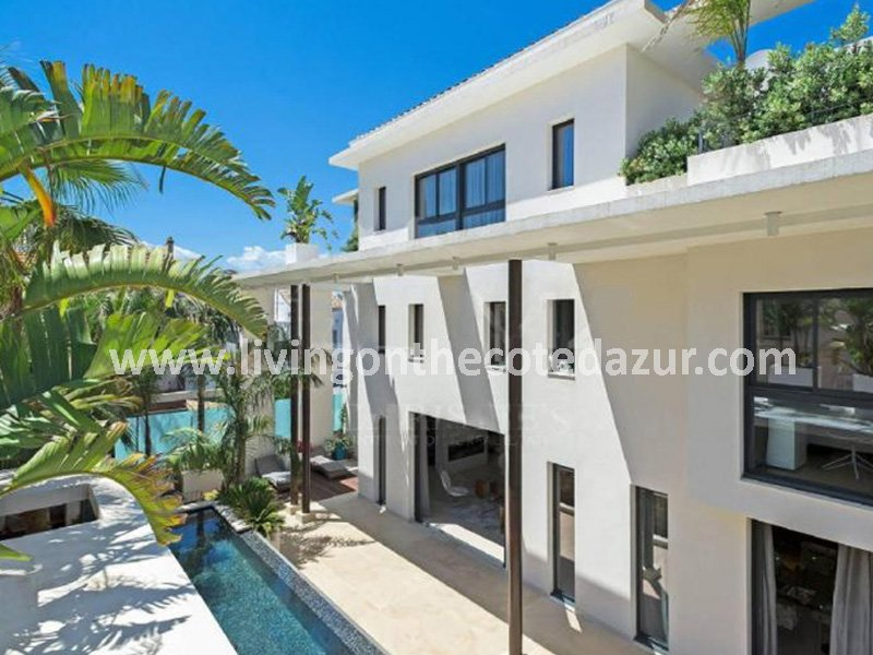 New contemporary villa Cannes Palm Beach