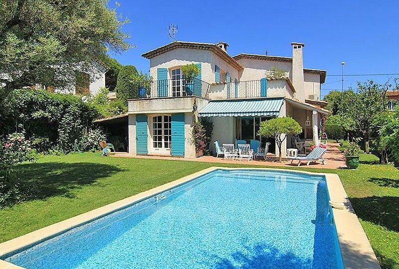 Fabulous charming juan les pins villa within walking for Maison du monde grasse