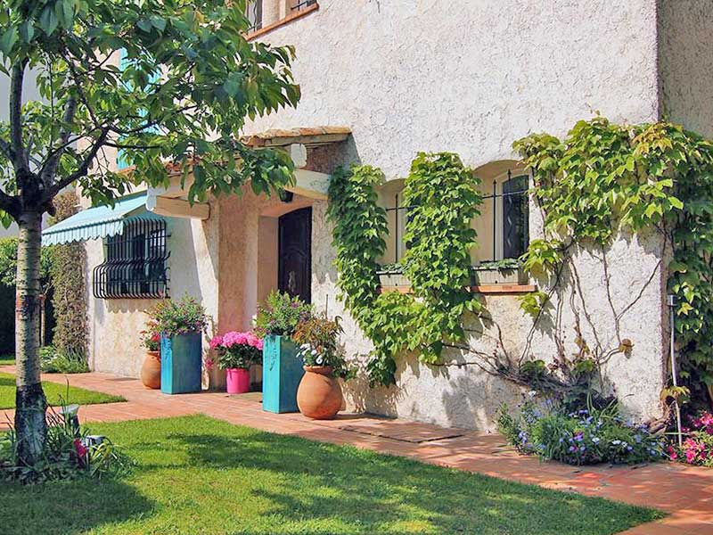 Charming Juan les Pins villa within walking distance of beach and center