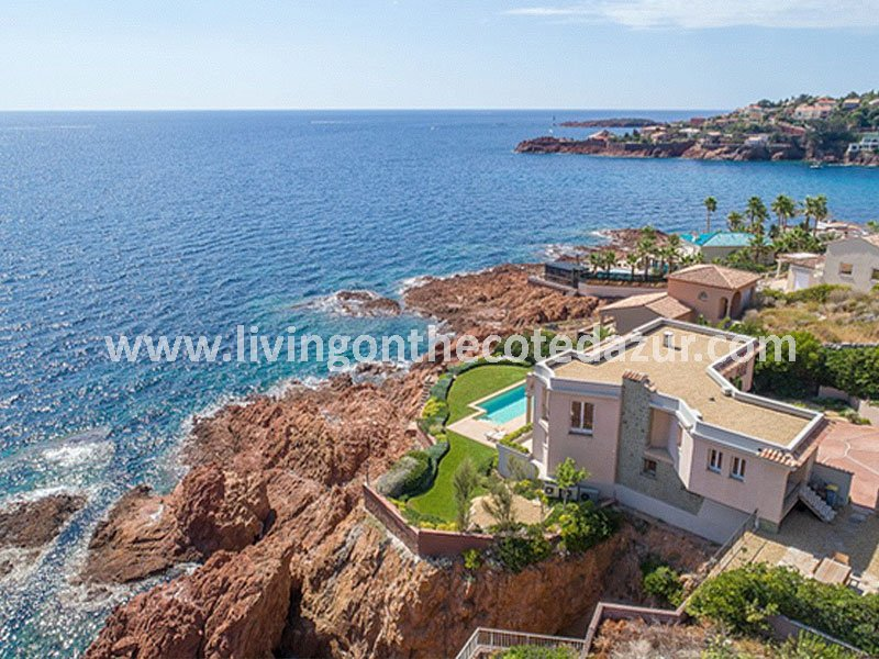 Anthéor modern waterfront villa 25 km from Cannes