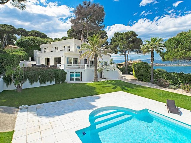 Our VIP selected real estate is a hand picked selection of luxury property across the French Riviera. High-end villa's and penthouses on the Côte d'Azur.