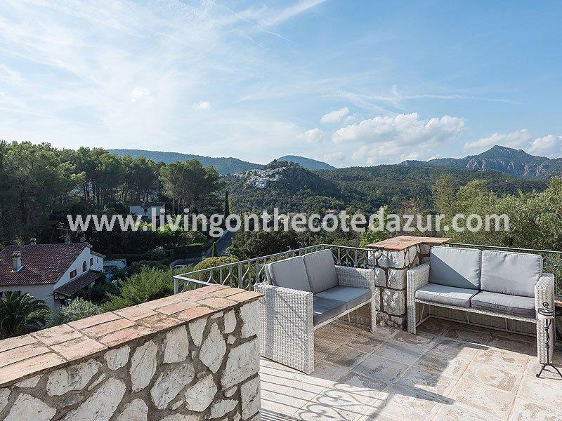 Provençal villa Mandelieu Minelle with sea view and pool