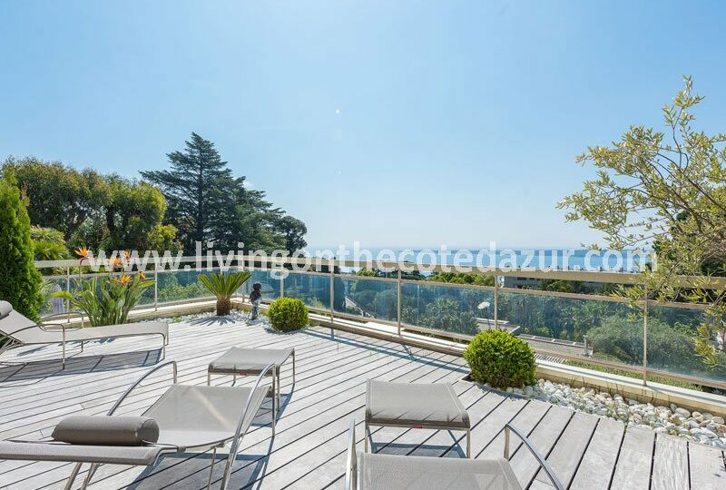 Tasteful Cannes Californie apartment with sea view and swimming pool