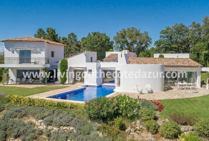 The best view of everyone: Tanneron villa hacienda style