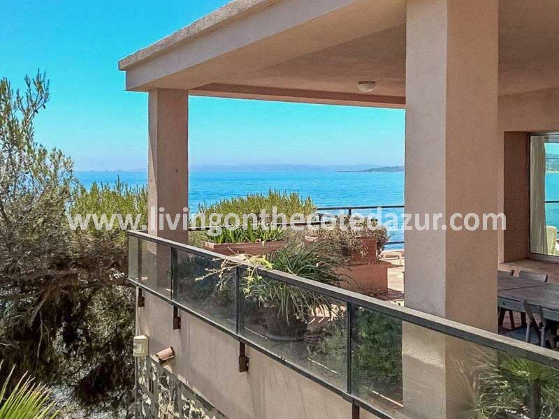 Rare waterfront property Sainte Maxime with boathouse