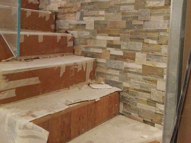 tiles, wall, old stone France Renovation, repair and construction work on the Côte d'Azur