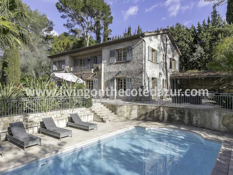 Romantic Mougins bastide villa with park pond