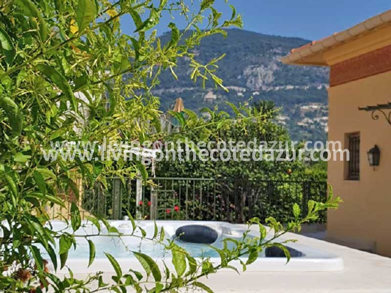 Saint Jean Cap Ferrat luxury villa directly on the sea