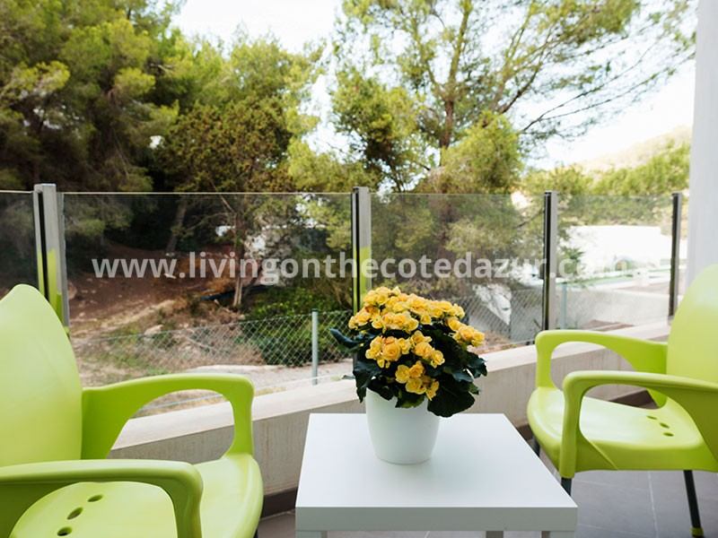 Lovely new apartment, directly on the bay of Cala Vadella