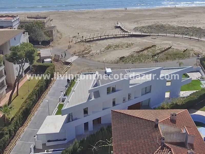 Unique property for sale on beachfront Alcossebre