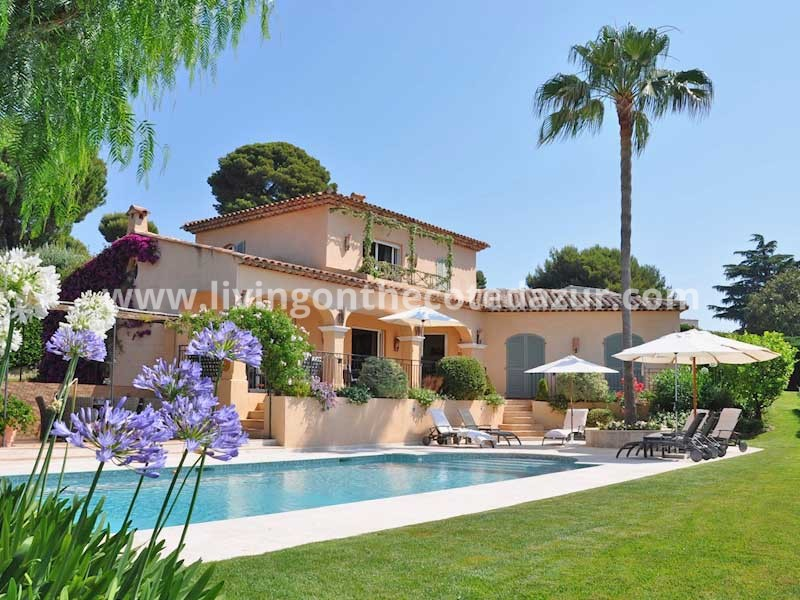 Exceptional Provençal villa in exclusive domain Juan les Pins