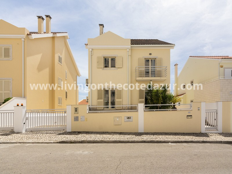 Fantastic five bedroom Villa in Montijo with pool