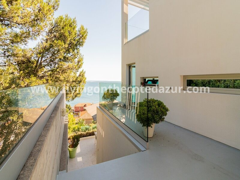 Wonderful contemporary villa in Portugal, close to Lisbon