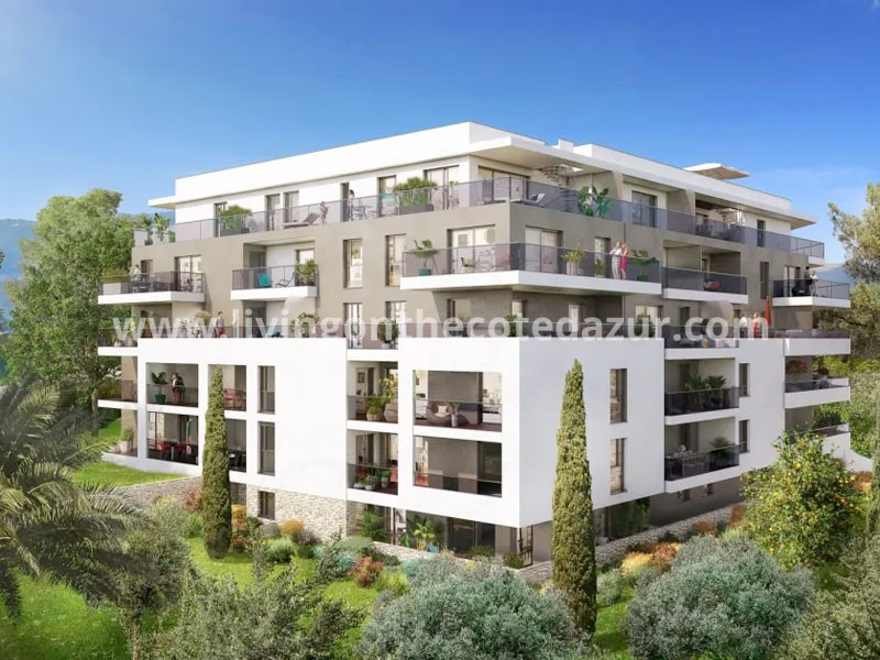 New apartment with sea view on central point in Antibes