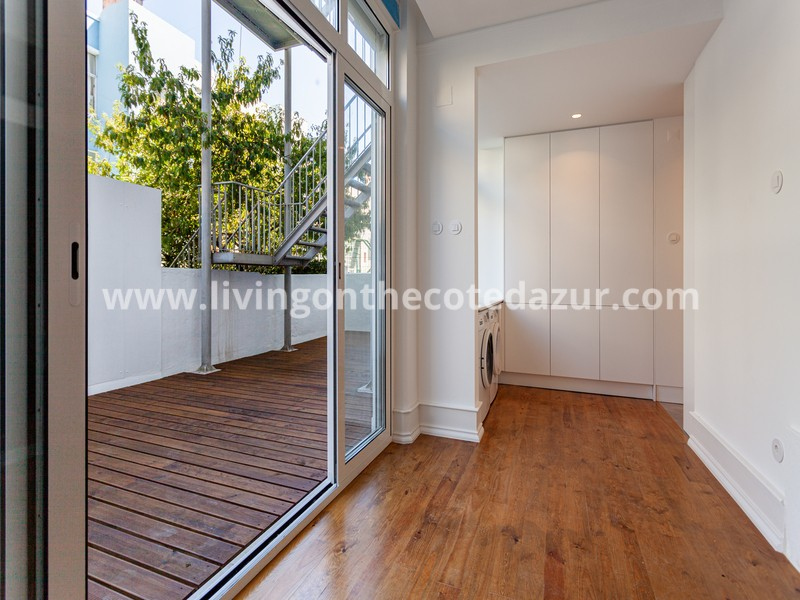 Luxury 3 bedroom apartment with terrace in prestigious Bairro Azul Lissabon