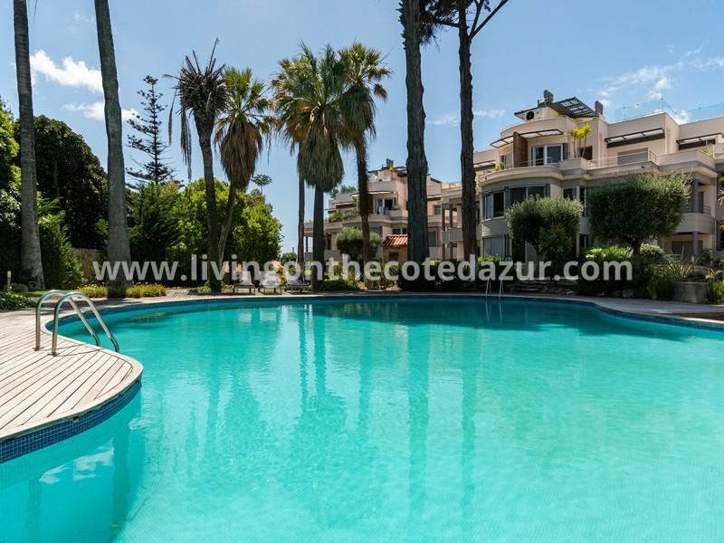 Magnificent 2 bedroom apartment with seaview Jardins da Parede Cascais
