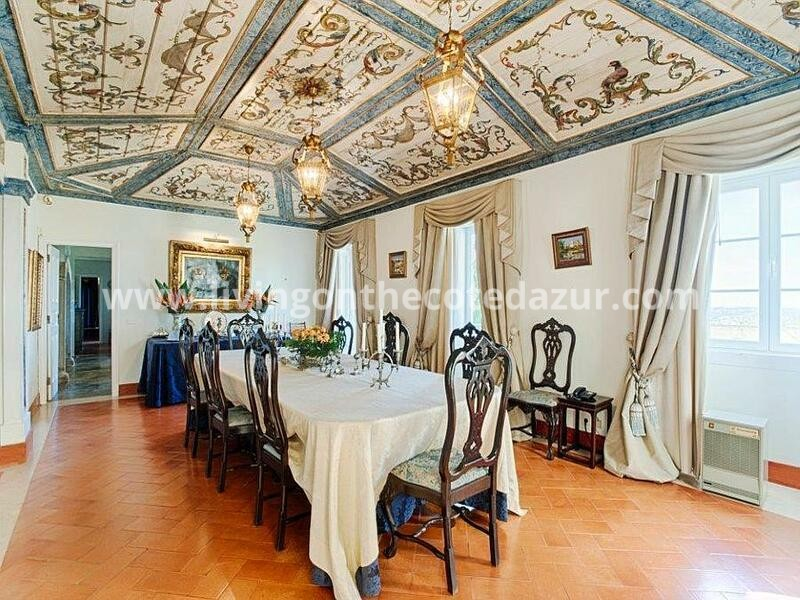 Unique Sintra property: a true palace with ten bedrooms