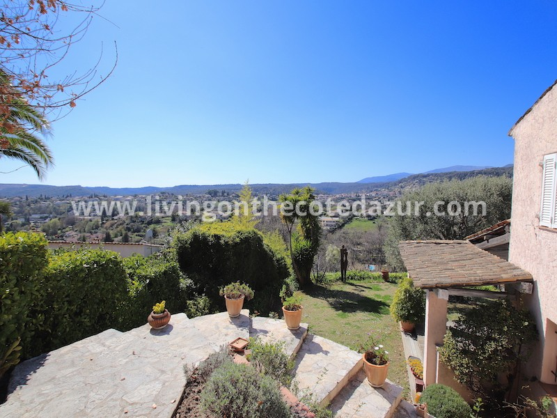 Original Provencal villa Saint Paul de Vence with endless views