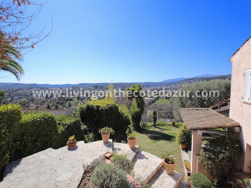 Original Provencal villa Saint Paul de Vence with endless views