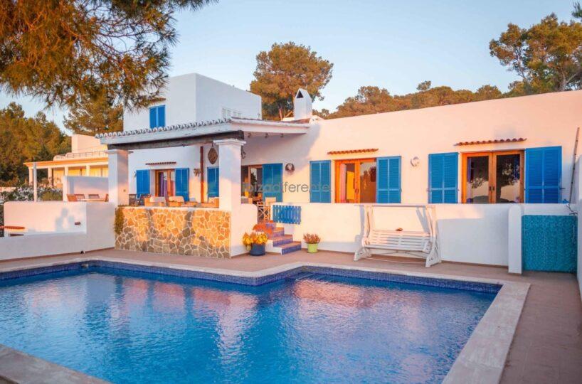 Superb family finca with guesthouse - Cala Tarida, Ibiza