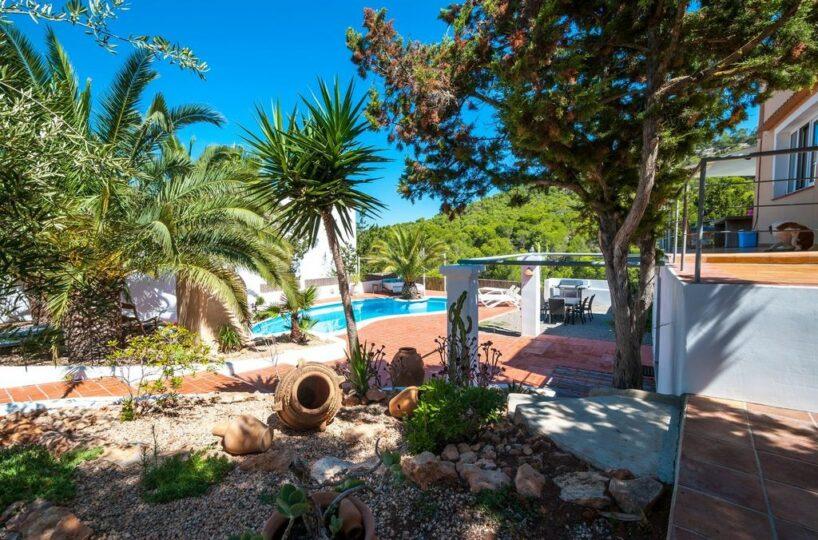 Cosy 6 bed villa with extra apartment - Cala Vadella, Ibiza