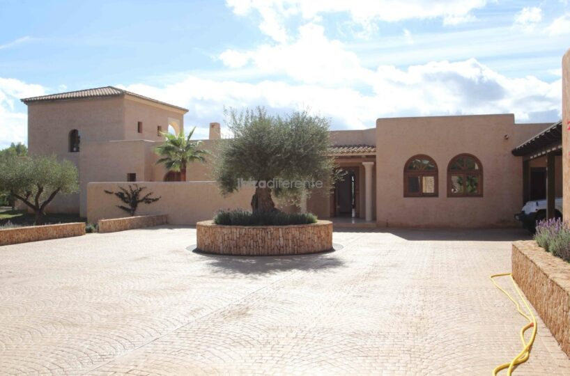 Very large villa close to Ibiza town, Ibiza