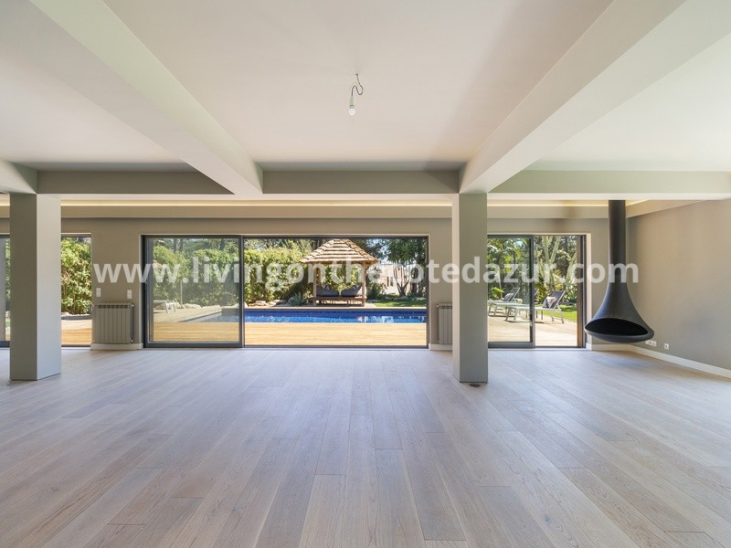 House T6 + 1 with swimming pool in Quinta da Marinha, Cascais, Portugal