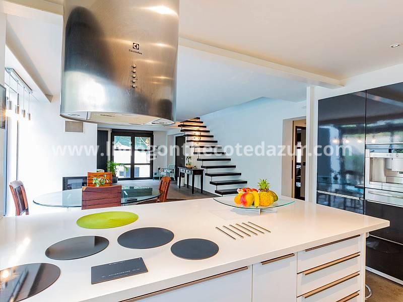 Come scegli un agente immobiliare in Costa Azzurra?