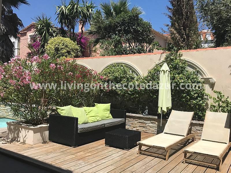 Luxurious city villa center Cannes with pool, hammam, studio