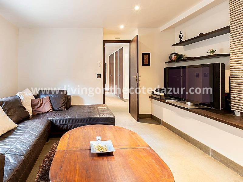 Luxurious city villa center Cannes with pool, hammam, studio