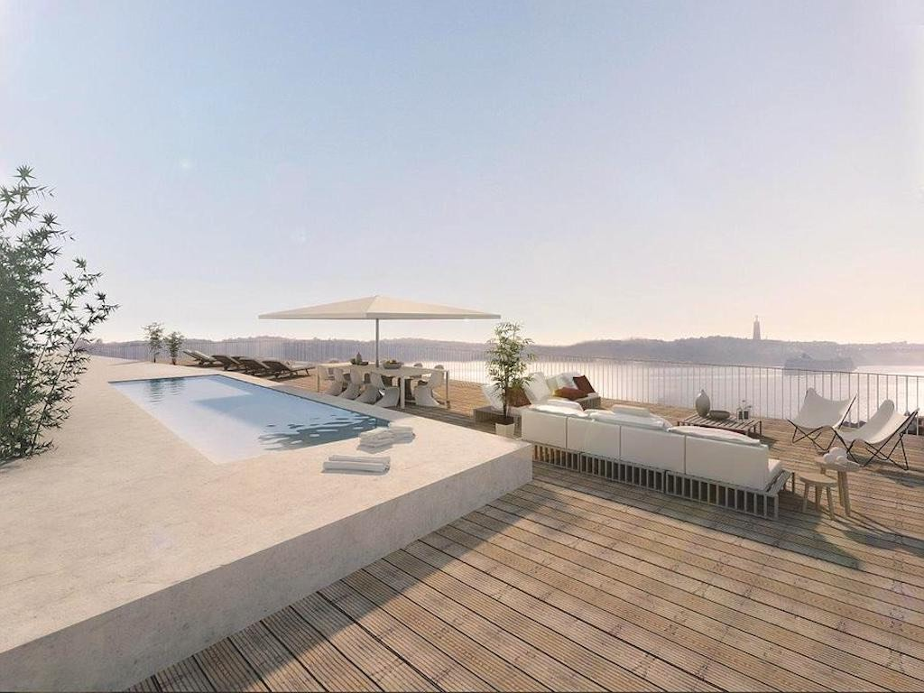 Lisbon new penthouse roof terrace, pool and free view of the Tagus