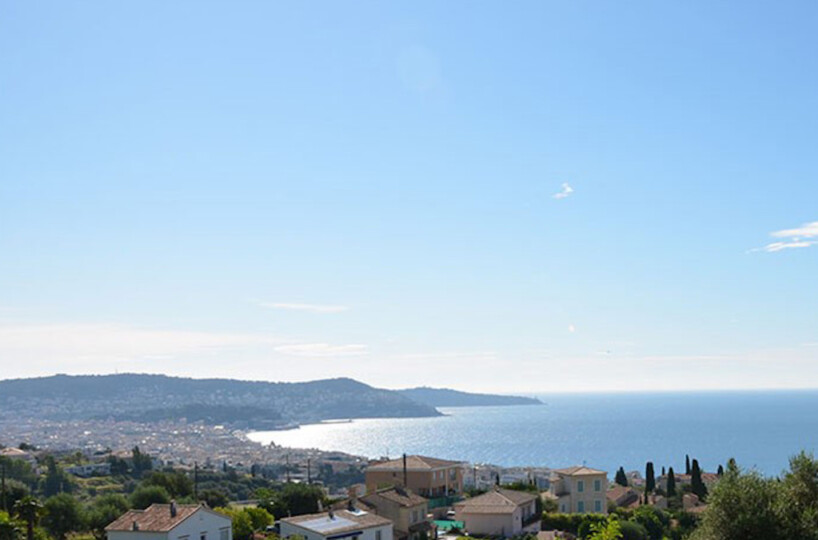 new construction with pool and views over Nice and Baie des Anges