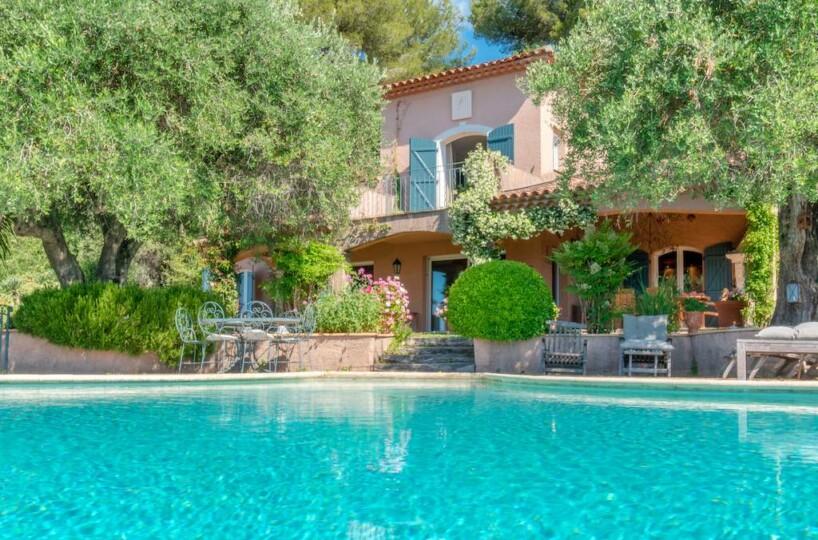 Vence Provenzalische Familienvilla mit Pool und atemberaubendem Meerblick